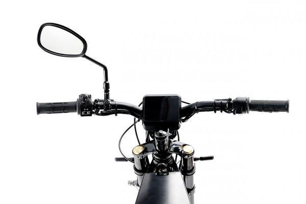 Der Lenker des Elmoto Loop Gear, ein E-Roller im Angebot des Fahrzeughaus Müller