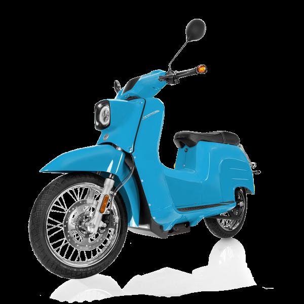 Seitenansicht einer lichtblauen E-Schwalbe, ein E-Roller im Angebot des Fahrzeughaus Müller